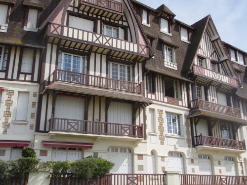 deauville,trouville-sur-mer,restaurant le 142,hotel le fer à cheval