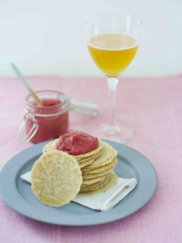 Crackers au Houmous de betterave.jpg